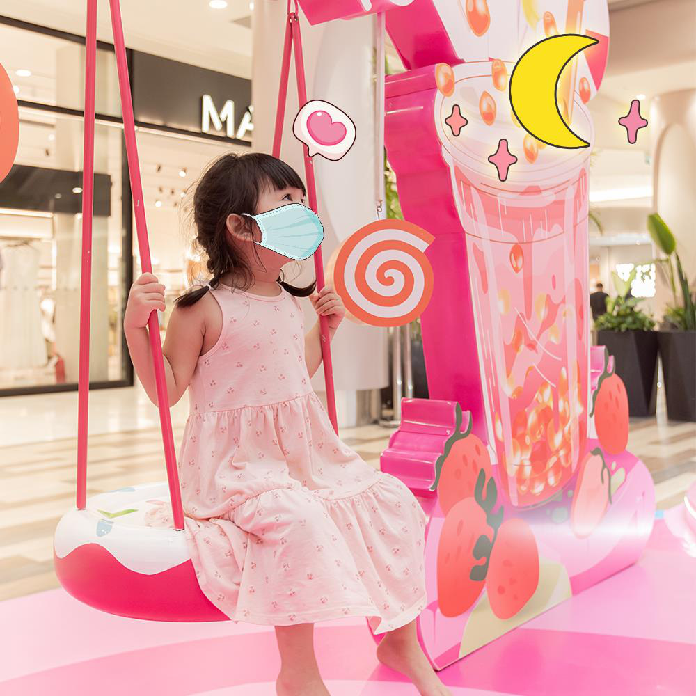 Gợi ý những dáng check-in cực xịn, đảm bảo nhận bão like tại Vùng đất kẹo ngọt AEON Mall Hà Đông - Ảnh 3.