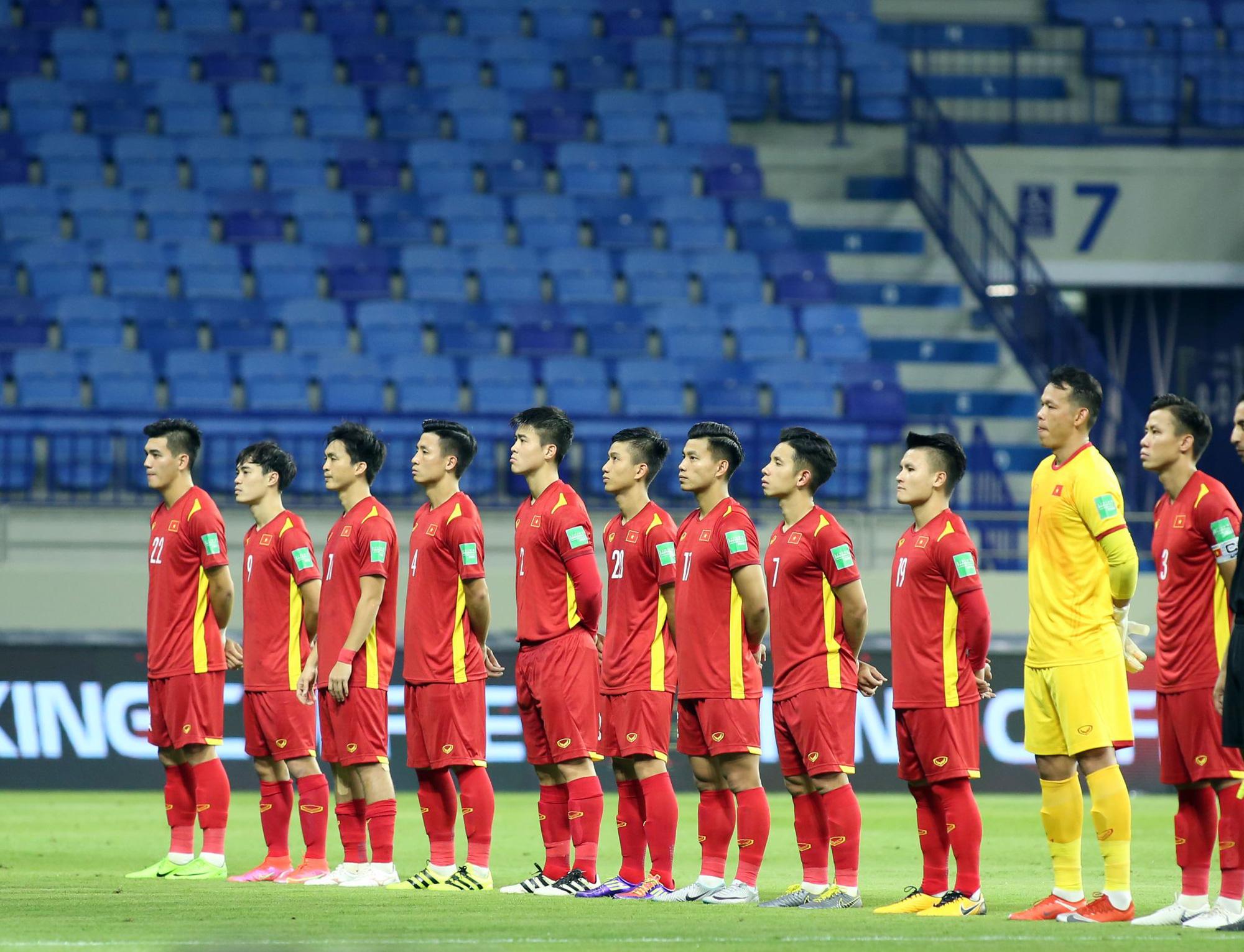 Tự tin, phong độ như tuyển thủ Việt Nam trong và ngoài sân cỏ - Ảnh 1.