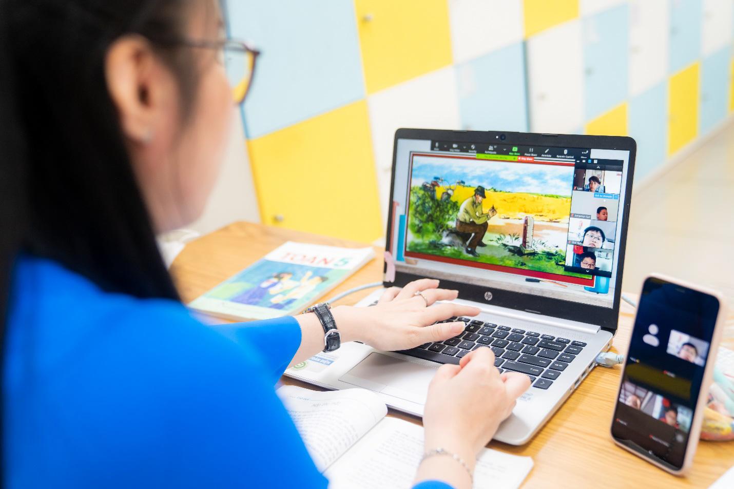 Royal School miễn phí học hè trực tuyến cho học sinh toàn quốc - Ảnh 2.