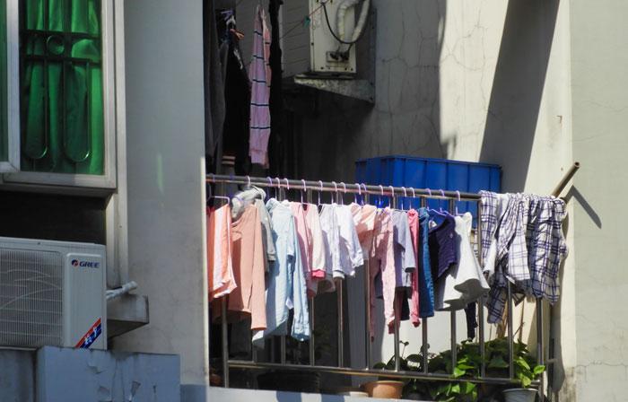 3 lý do gia đình sống tại căn hộ chung cư yêu thích máy sấy quần áo - Ảnh 1.