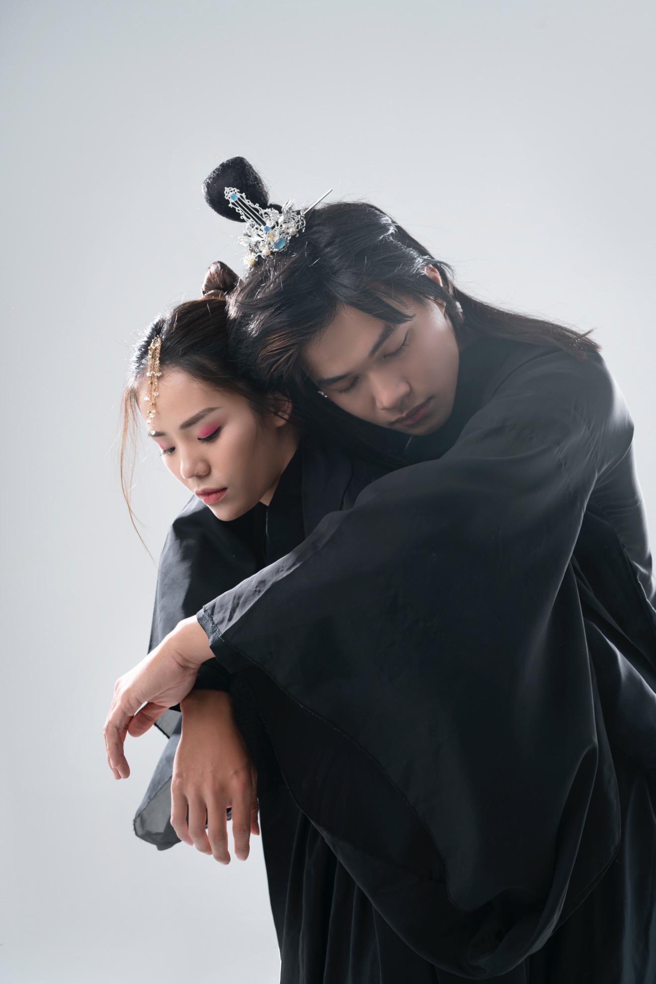 Hương Ly mang thông điệp trân trọng tình yêu hiện tại vào MV cổ trang đầu tay - Ảnh 3.