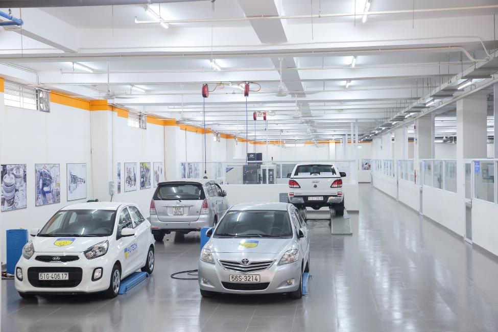 """""""Bí kíp"""" học ngành Công nghệ kỹ thuật ô tô: Bản lĩnh hơn từ hệ thống thực hành chuyên nghiệp - Ảnh 2."""