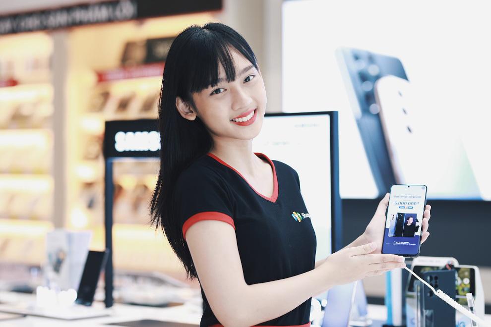 FPT Shop giảm 9 triệu và nhân đôi thời gian bảo hành cho Galaxy S20+ - Ảnh 2.
