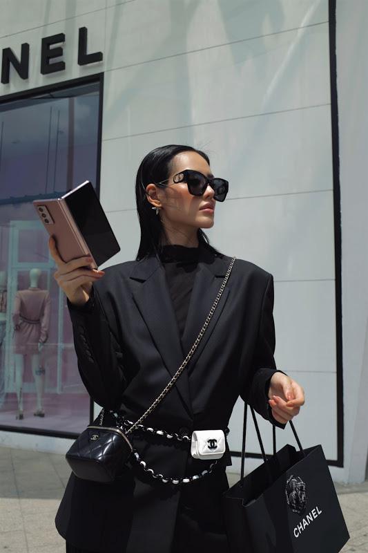 Lý giải nguyên nhân Galaxy Z Fold2 luôn là phụ kiện không thể thiếu của giới fashionista - ảnh 4