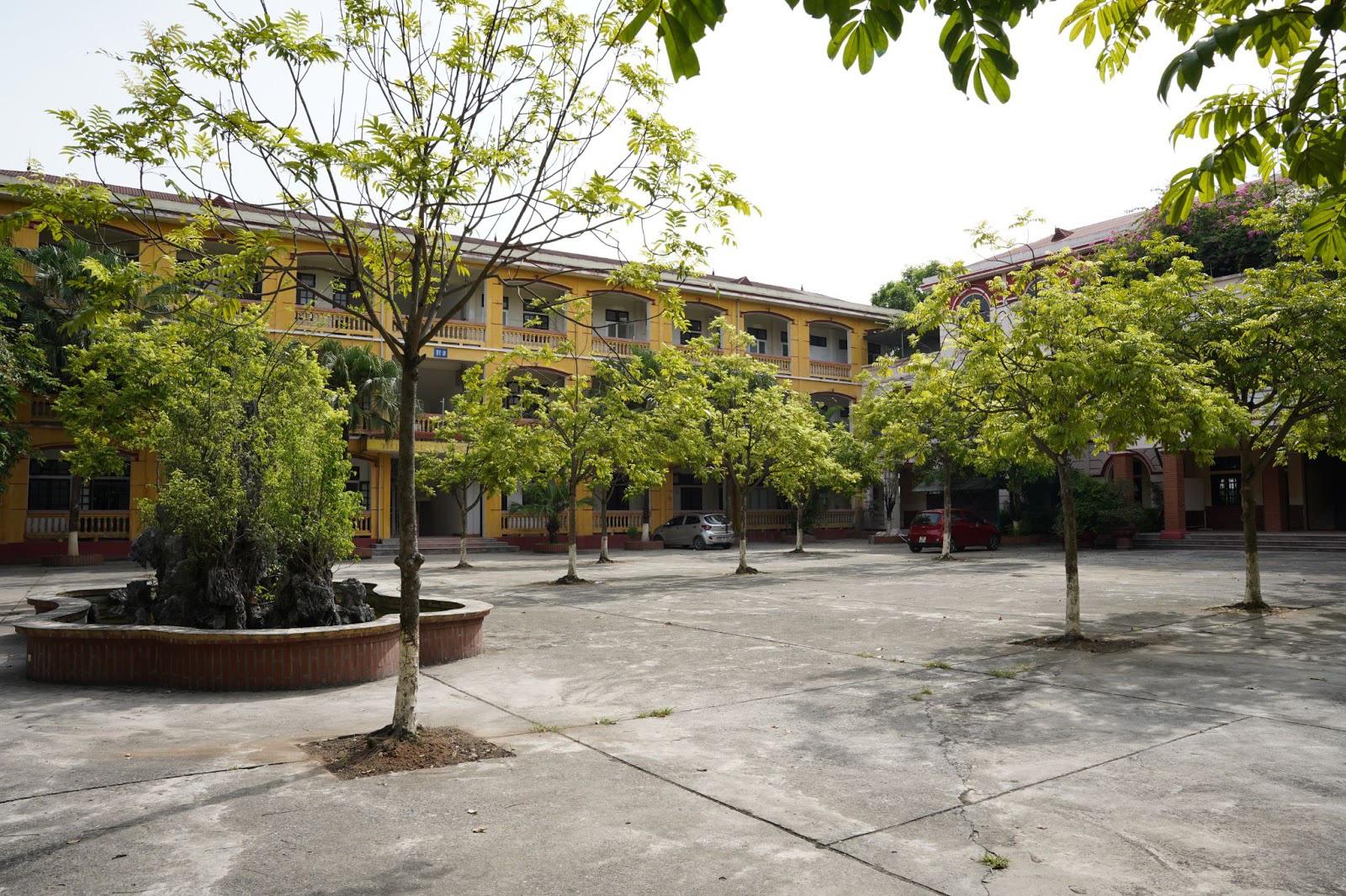 Diện mạo mới của ngôi trường 22 năm tuổi được đầu tư bởi Hệ thống giáo dục CEO Việt Nam High School - Ảnh 1.