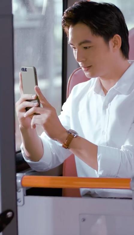 """Vừa chạm mặt Hoàng Yến Chibi, Lãnh Thanh đã rơi vào trạng thái """"yêu em từ cái nhìn đầu tiên"""" trong phim ngắn mới ra mắt - Ảnh 2."""
