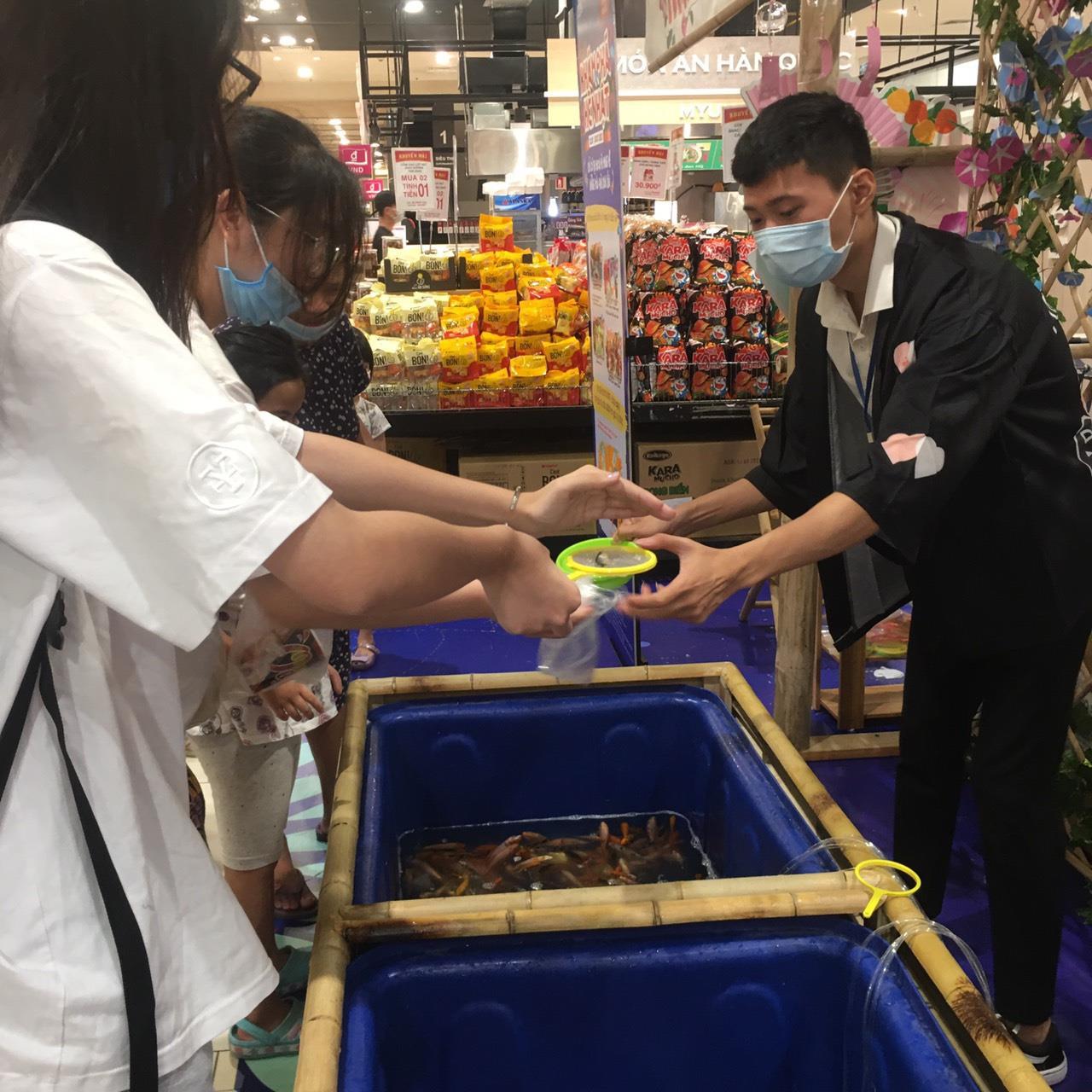 Lạc lối tại lễ hội mùa hè Nhật Bản giữa lòng Việt Nam - Ảnh 1.