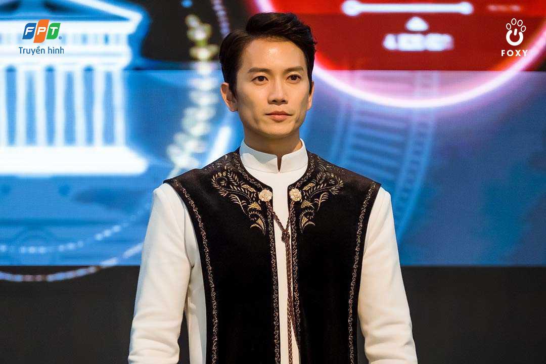 Từ nữ sinh điệu đà đến thẩm phán trưởng hai mặt: 3 vai diễn đỉnh của chóp từ ông hoàng diễn xuất Ji Sung - Ảnh 4.