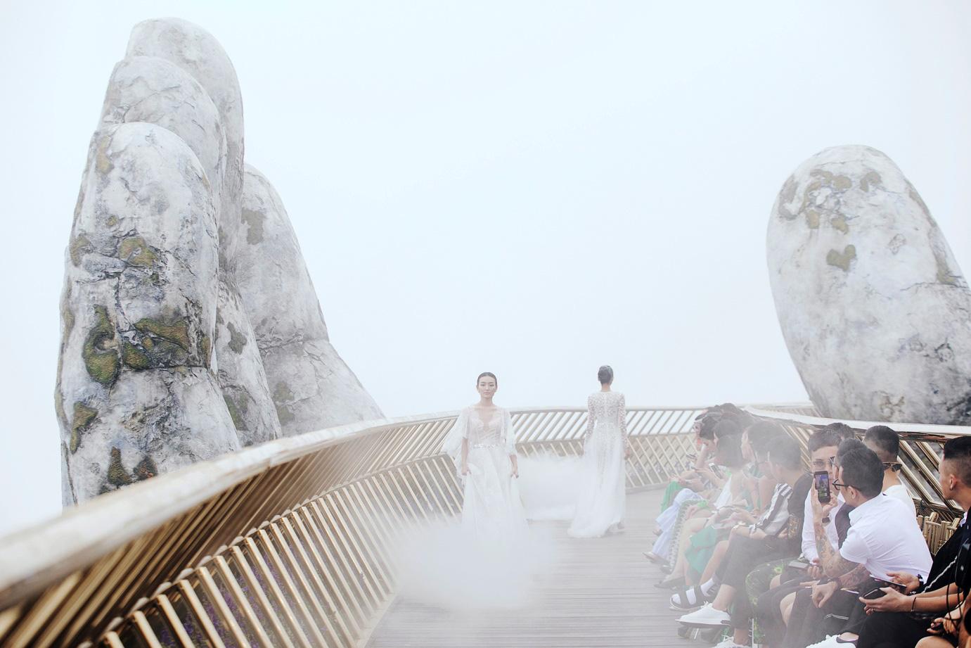 The Fashion Voyage: Hành trình chạm đến trái tim - Ảnh 3.
