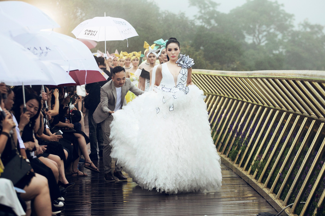 The Fashion Voyage: Hành trình chạm đến trái tim - Ảnh 7.