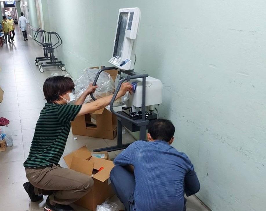 VPBank ủng hộ gấp 715 máy hỗ trợ hô hấp hiện đại cho các tỉnh, thành phía Nam - Ảnh 2.