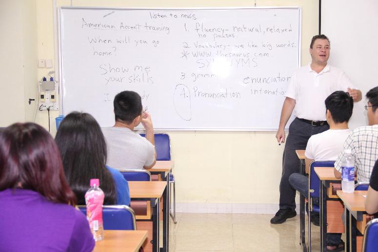 Trường ĐH Tài chính - Marketing: Xét tuyển học bạ đợt 2 chương trình liên kết quốc tế - Ảnh 2.