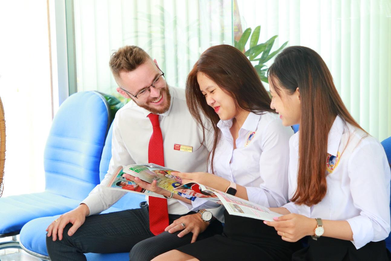 Chọn môi trường trải nghiệm tiếng Anh để tạo sự khác biệt - Ảnh 2.