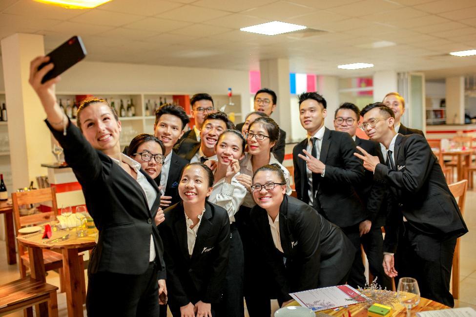 5 lưu ý khi học Cử nhân Quốc tế nhóm ngành Quản trị Nhà hàng - Khách sạn - Ảnh 3.