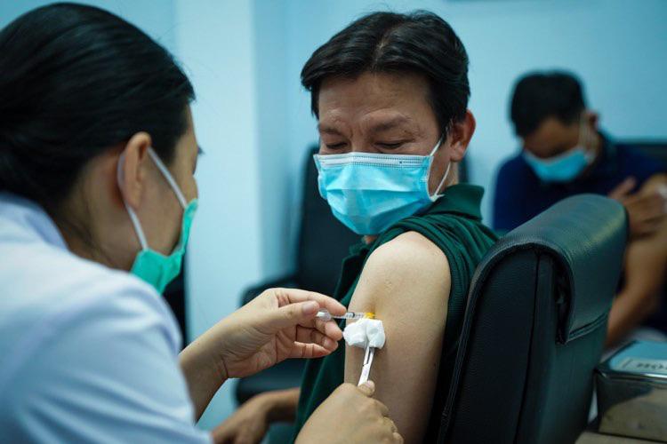 Xem xét có thể cấp phép khẩn cấp cho vắc xin Nanocovax - Ảnh 2.