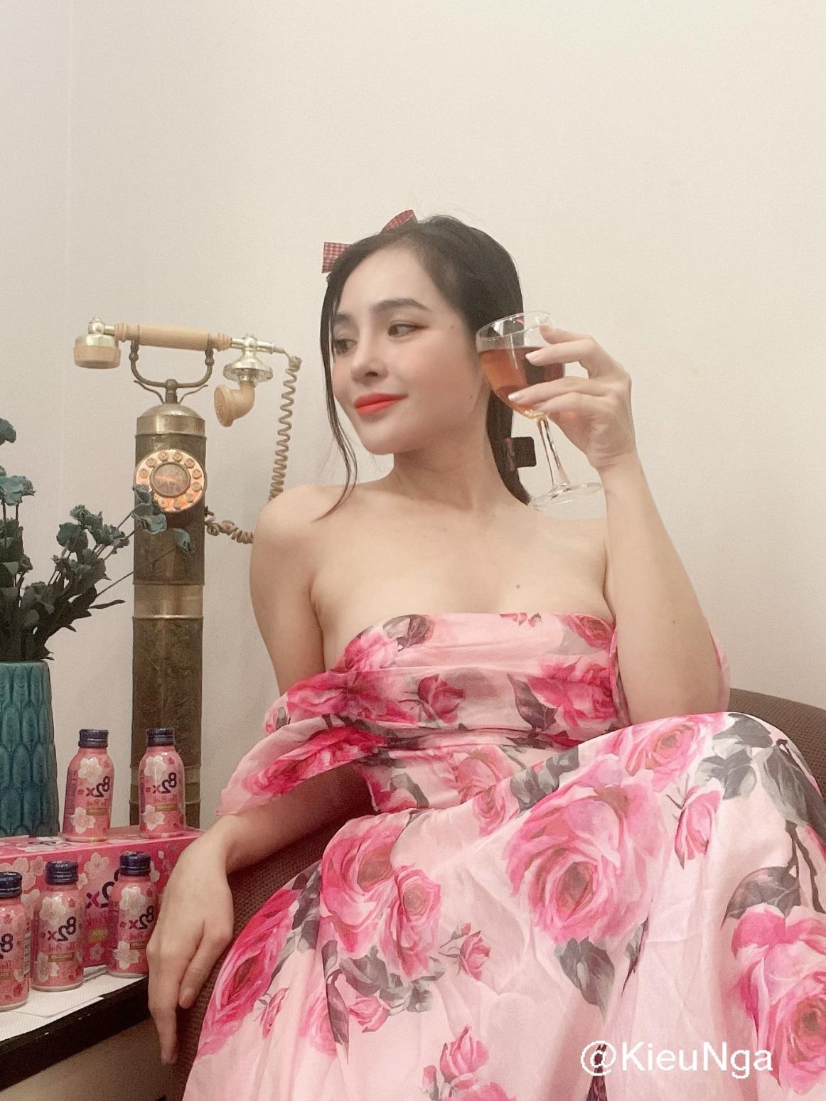 """""""Soi"""" routine dưỡng da, giữ dáng của Châu Bùi cùng dàn hot face Việt khi ở nhà vì dịch Covid-19 - Ảnh 9."""