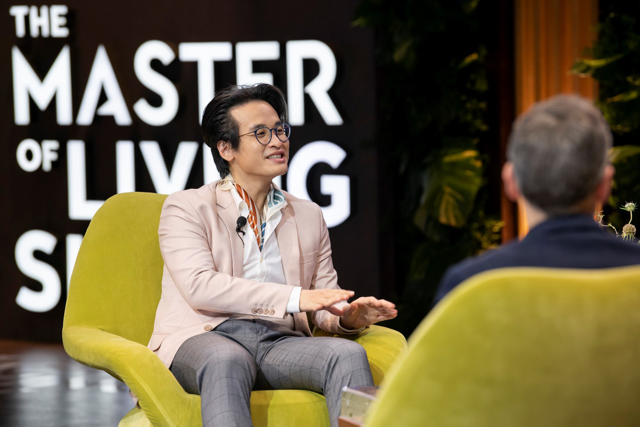 """Hà Anh Tuấn và Đoan Trang chia sẻ về cách """"sống vui khoẻ"""" trong The Master of Living Show - Ảnh 4."""