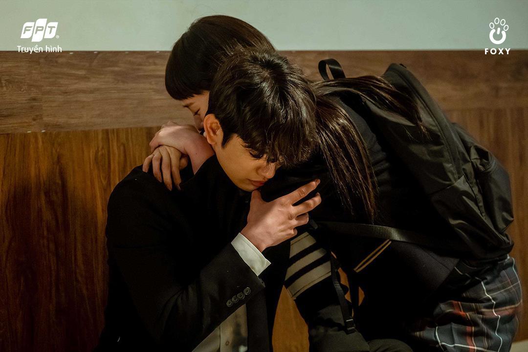Mối tình friendzone Park Gyu Young - Park Jin Young ở Thẩm Phán Ác Ma: Điểm sáng hiếm hoi giữa một xã hội bức bối - Ảnh 3.