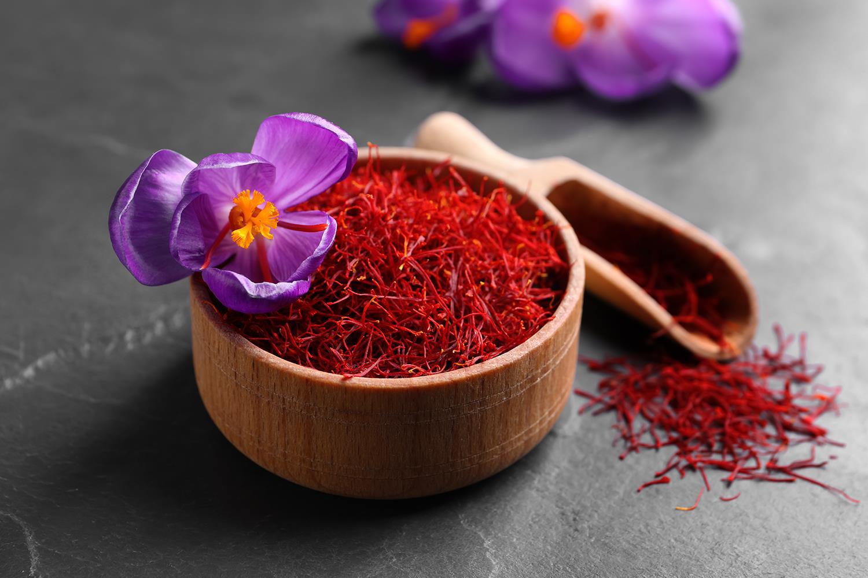 """Thì ra chiết xuất Saffron """"đắt xắt ra miếng"""" lại là thành phần không thể thiếu trong các loại mỹ phẩm này - Ảnh 1."""