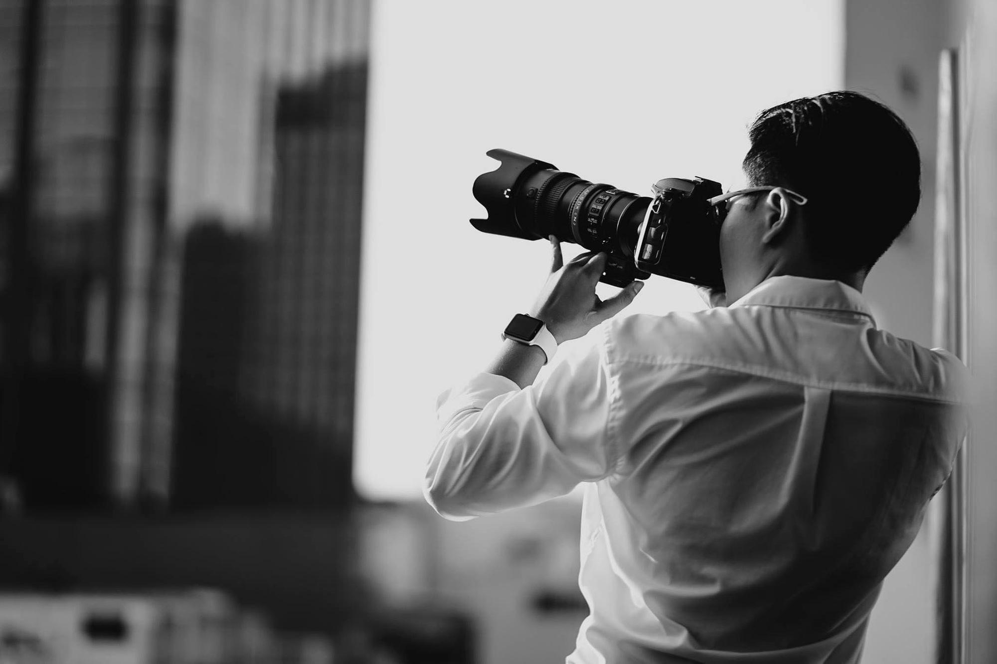 Từ vác chân máy khắp các sự kiện trong trường đại học tới film editor loạt sản phẩm đình đám, nam sinh ĐH FPT được đặt biệt danh quái kiệt - Ảnh 4.