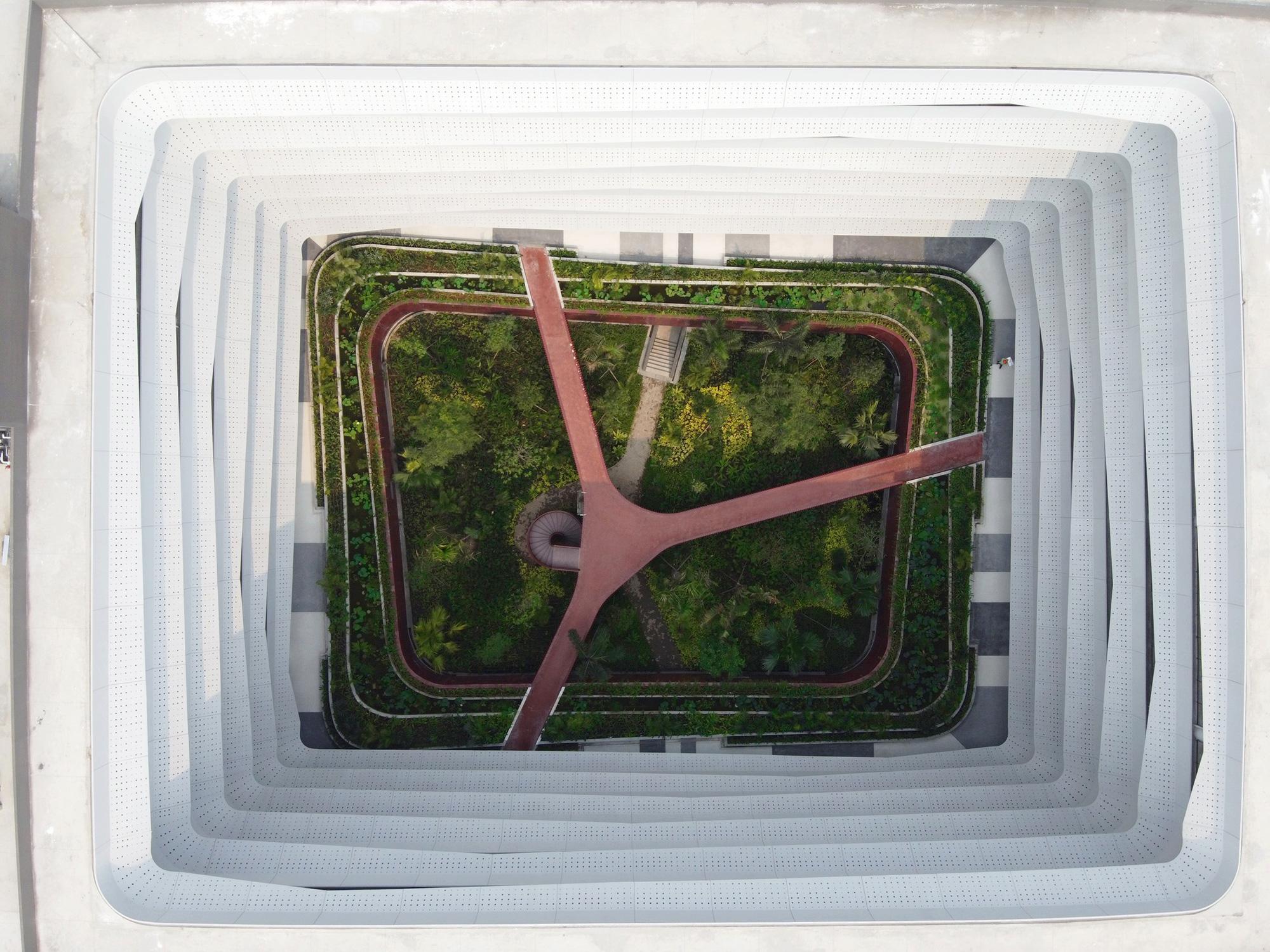 Trụ sở công ty công nghệ Việt lọt top công trình kiến trúc tiêu biểu - Ảnh 1.