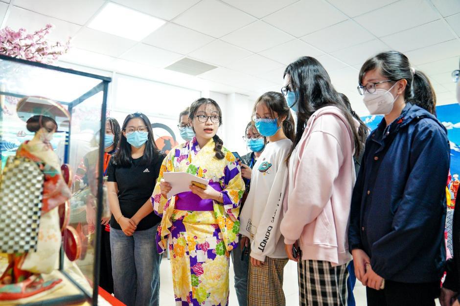 Sinh viên Ngôn ngữ Nhật HUTECH học tập hiệu quả nhờ trải nghiệm văn hóa Nhật - Ảnh 2.
