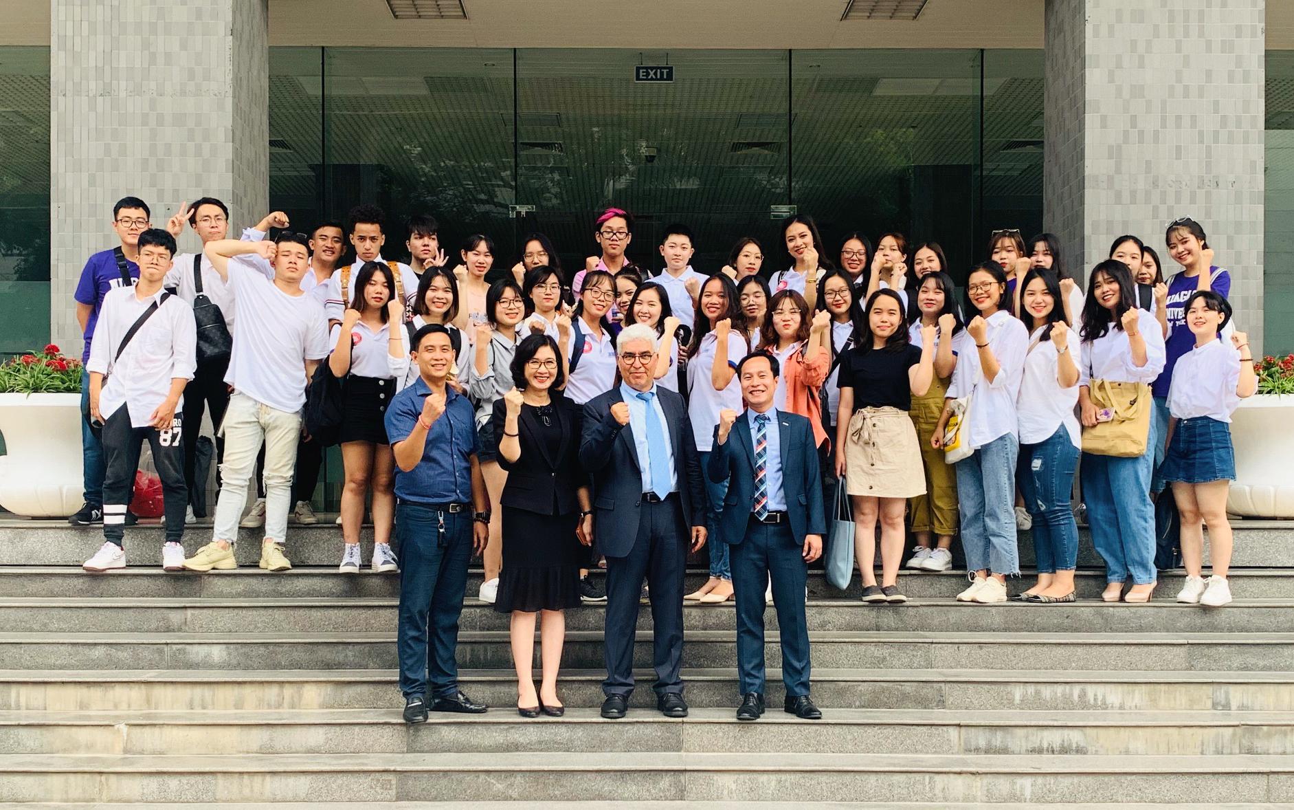 Điều gì làm nên sức hút của chương trình Cử nhân Quốc tế Việt Hàn ĐH Ngoại thương? - Ảnh 1.