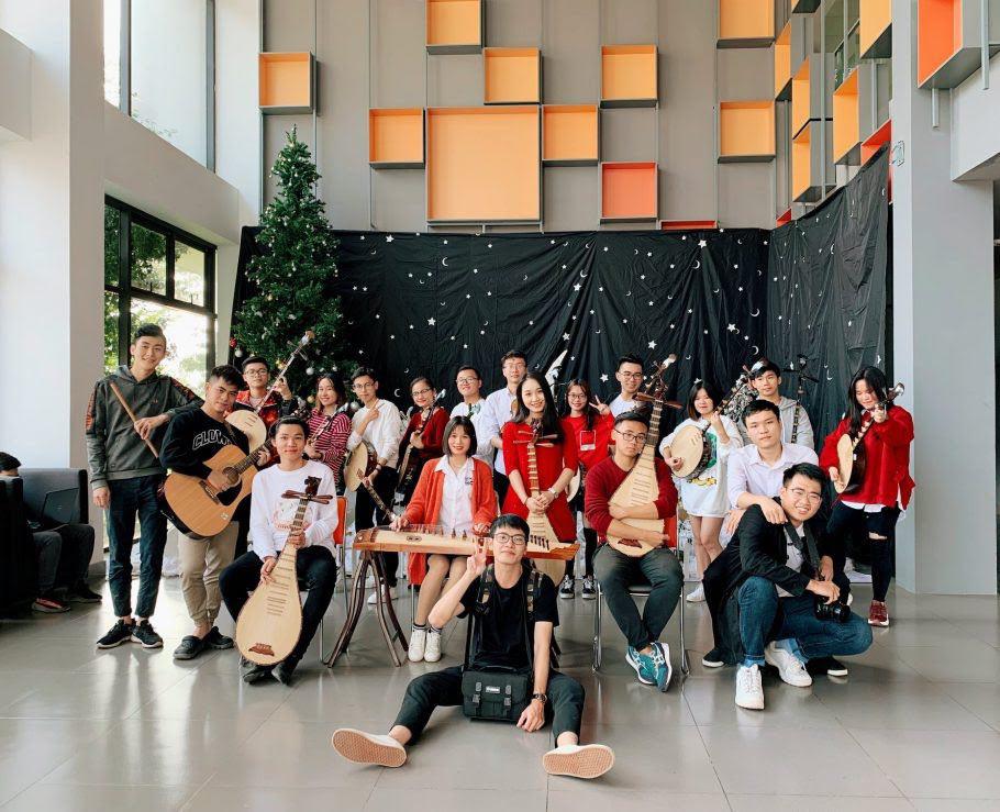Bí quyết của thầy cô nhạc cụ dân tộc để sinh viên IT cũng có thể chơi đàn chất nghệ - Ảnh 3.