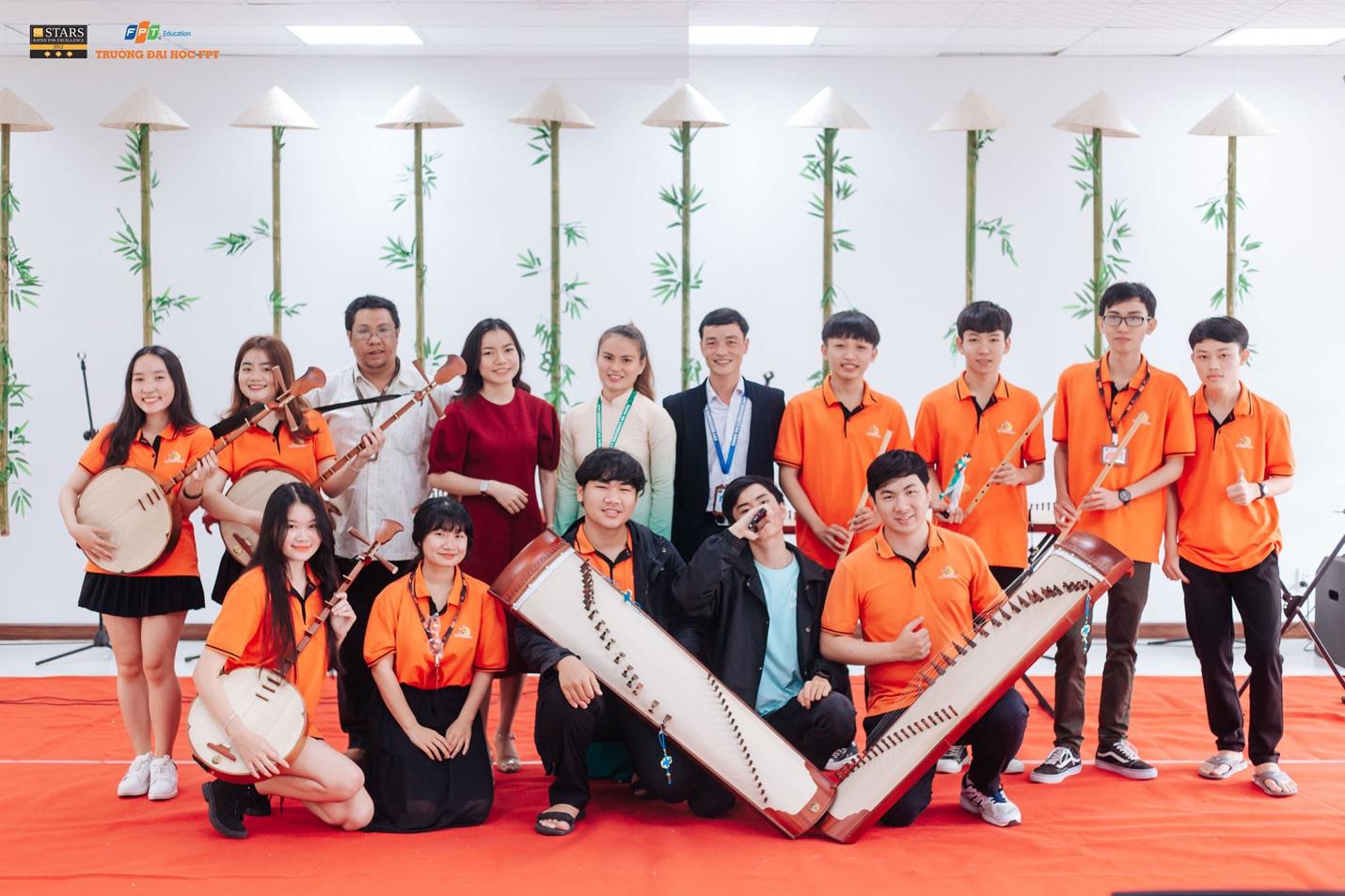 Bí quyết của thầy cô nhạc cụ dân tộc để sinh viên IT cũng có thể chơi đàn chất nghệ - Ảnh 5.