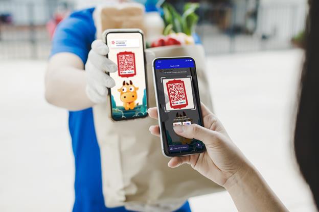 Giãn cách xã hội khiến khách hàng lựa chọn giao dịch trực tuyến nhiều hơn - Ảnh 2.