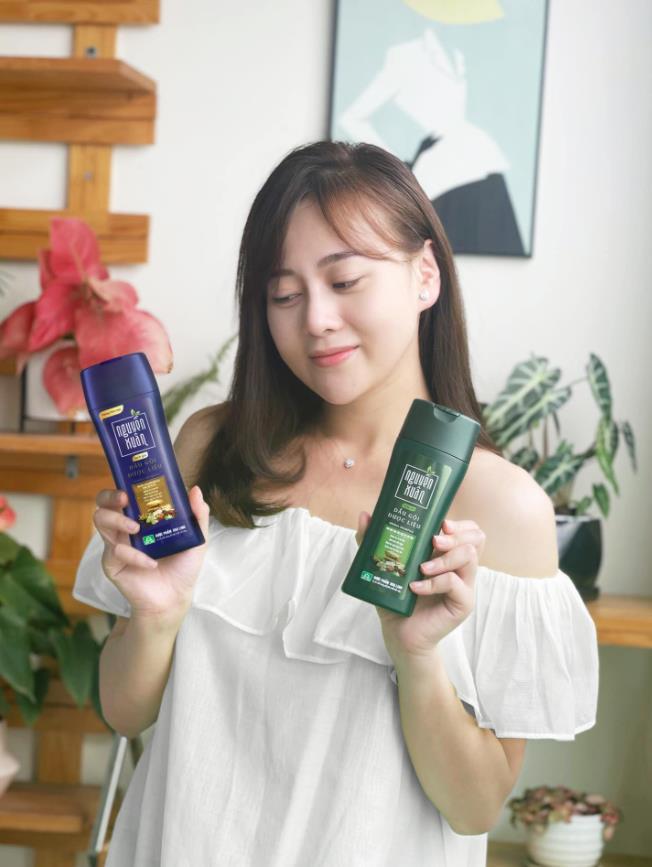 Mê tóc óng mượt, Quỳnh Kool săn ngay dầu gội dưỡng tóc quốc dân siêu hot, review cực ổn áp - Ảnh 5.