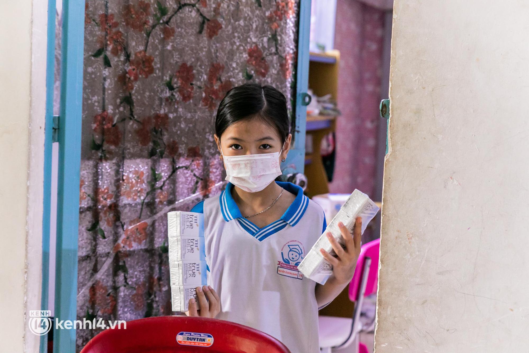 Ấm lòng mùa dịch: Trân quý những ly sữa tươi sạch tiếp sức trẻ nhỏ Sài Gòn - Ảnh 6.