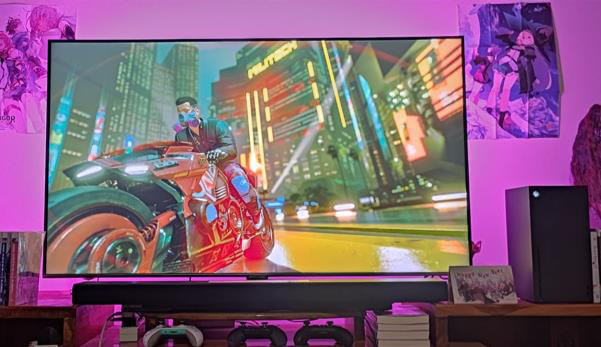 Game thủ khoe góc 'chiến' game trên TV cao cấp - Ảnh 2.