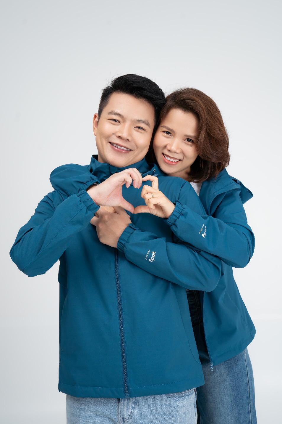 """Hé lộ bộ ảnh """"ngọt lim tim"""" của gia đình CEO Yody trong dự án ra mắt sản phẩm thu - đông 2021 - Ảnh 1."""