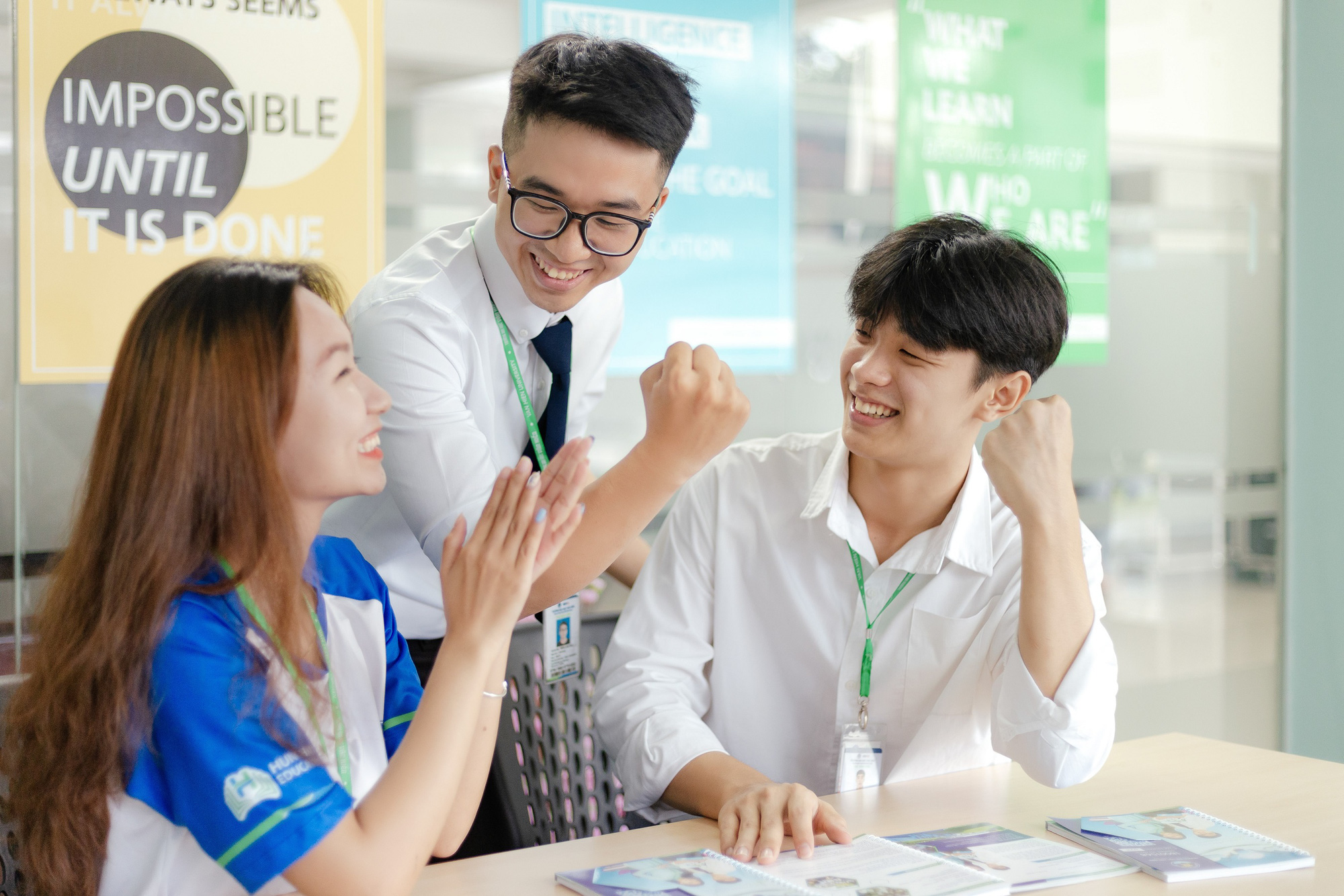 Đại học Văn Hiến miễn 100% học phí 2 học kỳ cho thí sinh và người thân là F0 - Ảnh 2.