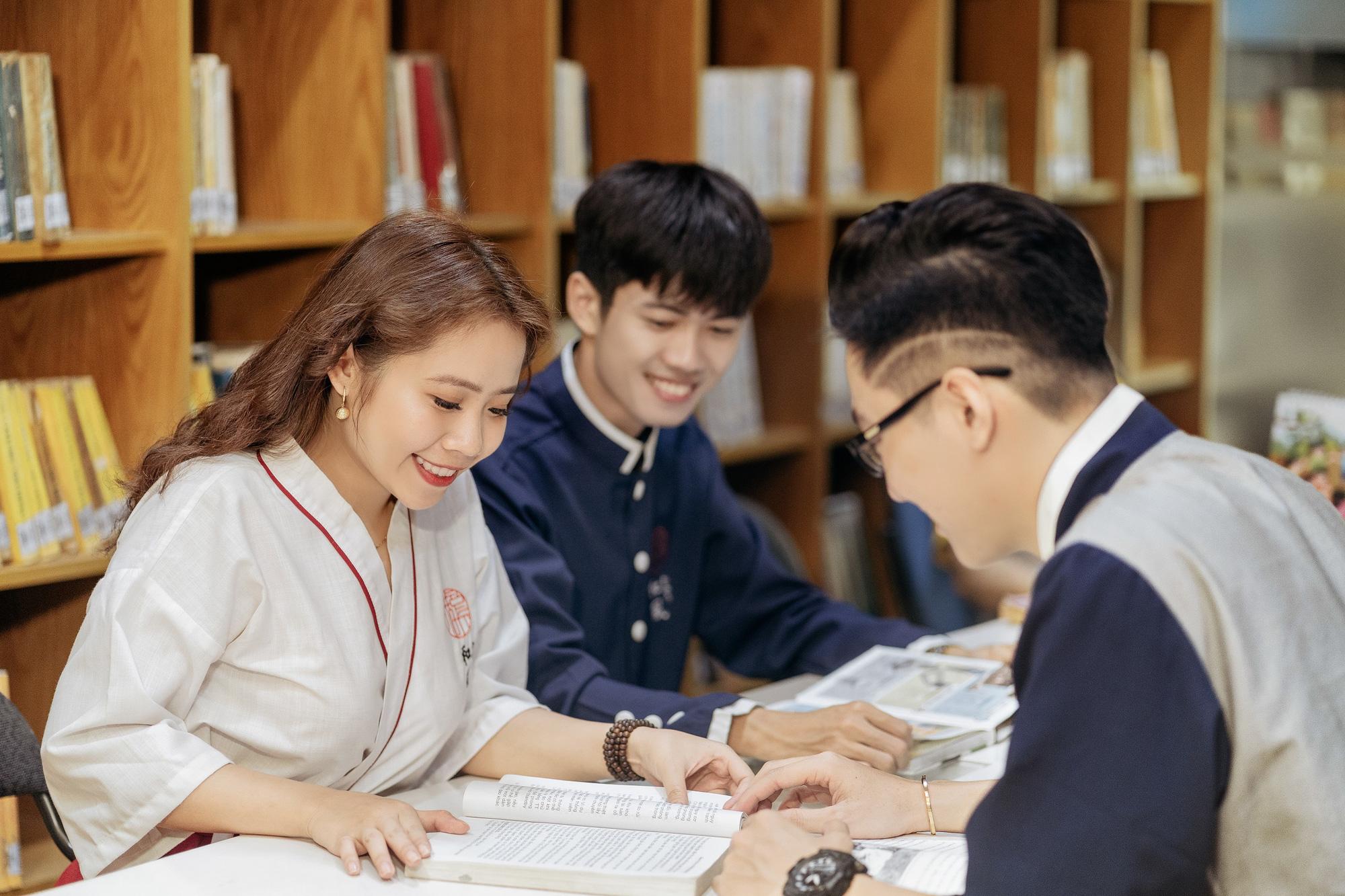 Đại học Văn Hiến miễn 100% học phí 2 học kỳ cho thí sinh và người thân là F0 - Ảnh 3.