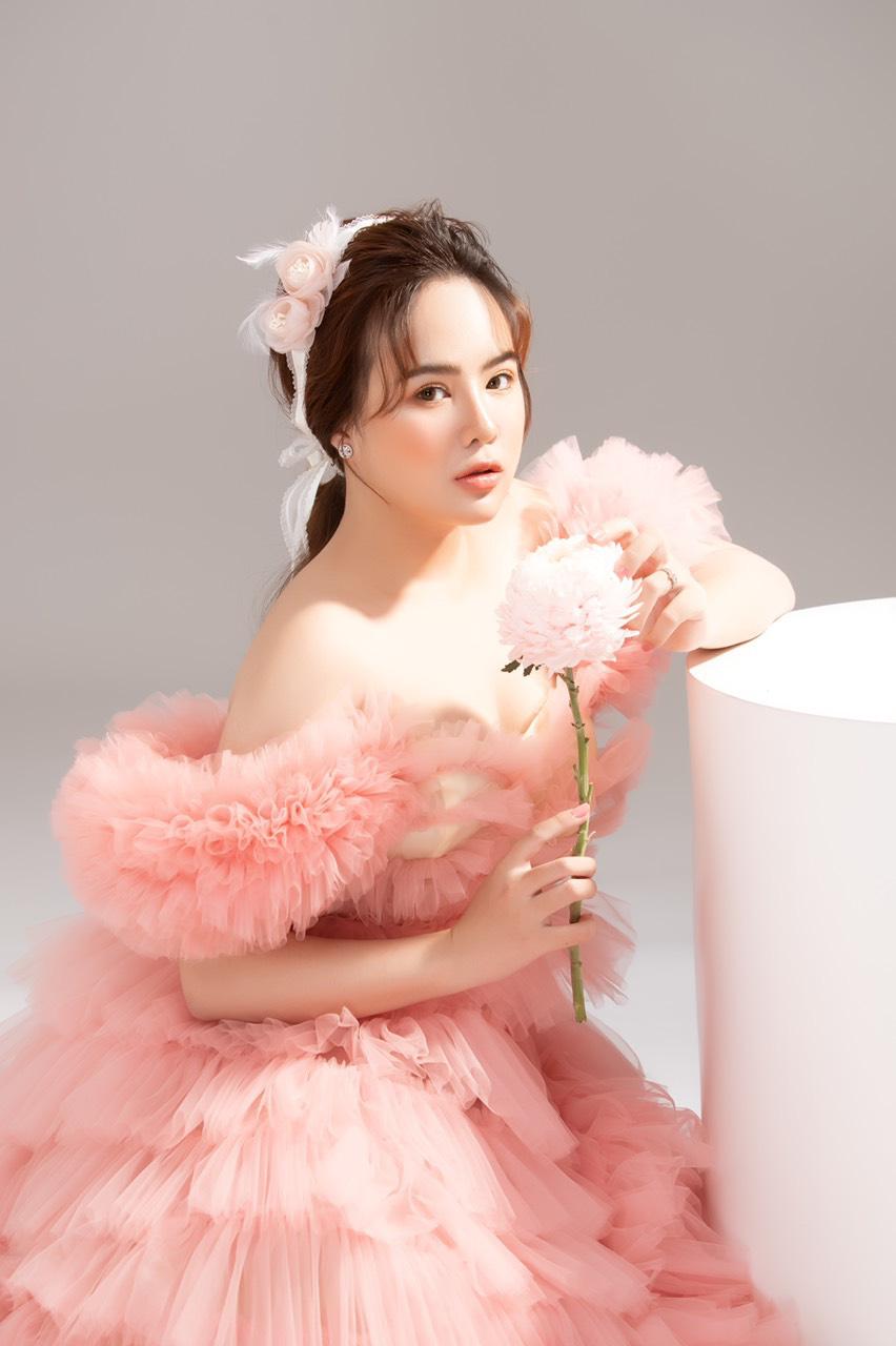 Trần Thảo Hiền - Hot girl với nhiều tài lẻ thu hút sự quan tâm của cộng đồng mạng - Ảnh 1.