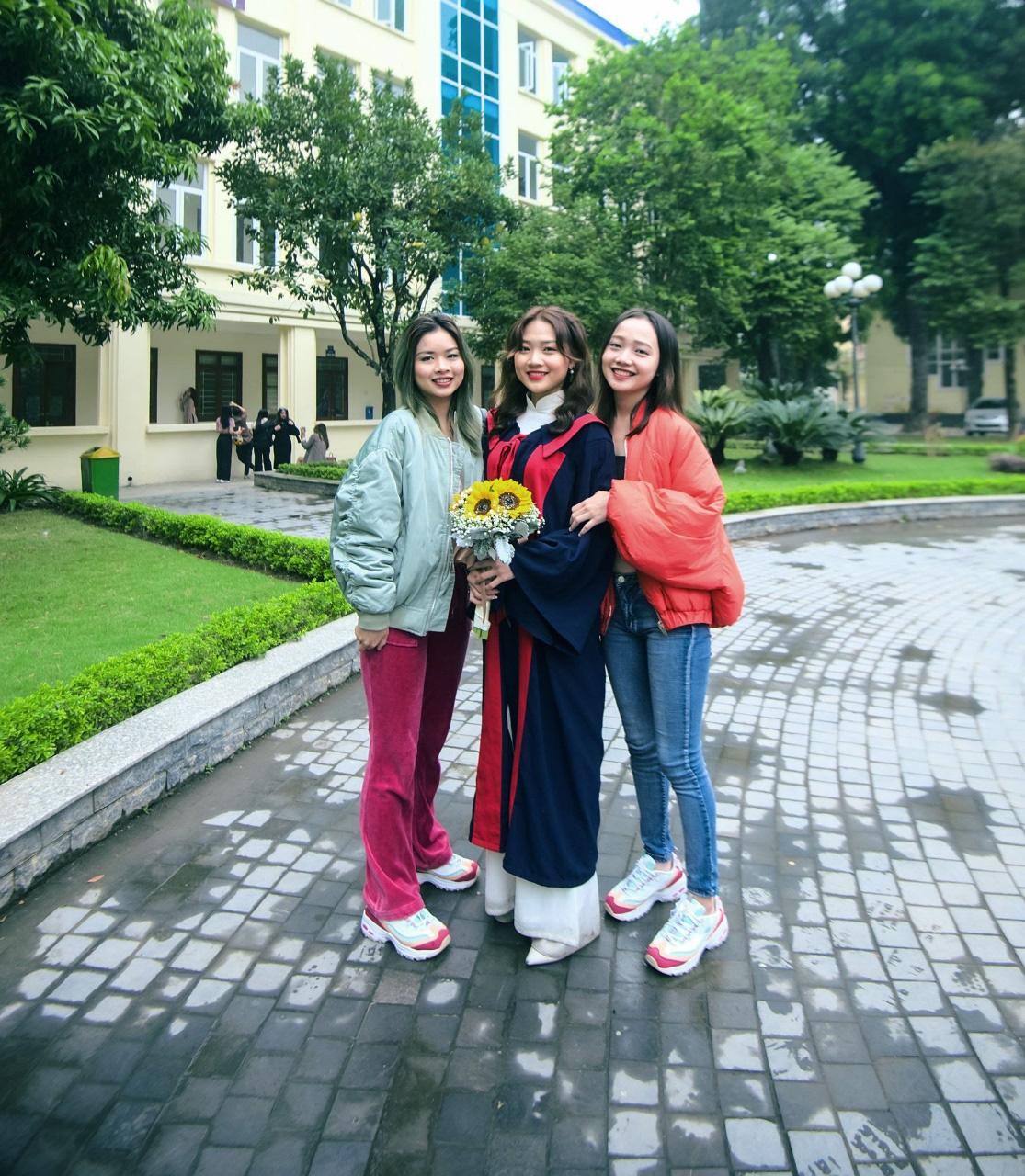 Lan Anh Hà - Cô sinh viên trường Báo chuẩn con nhà người ta, vừa là diễn viên có tiếng, vừa tốt nghiệp cử nhân loại giỏi - Ảnh 5.