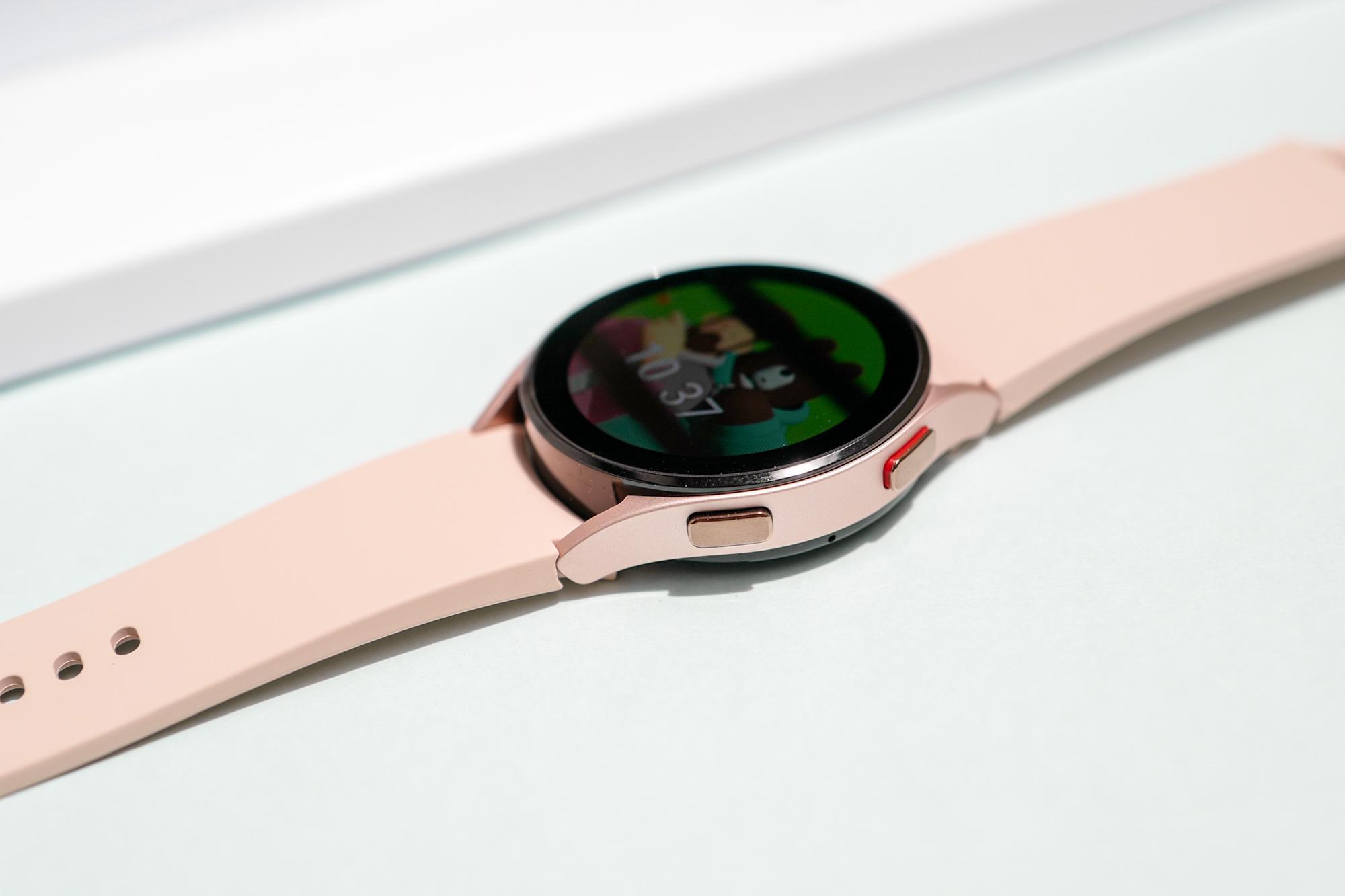 Vì sao nói Galaxy Watch4 là chiếc đồng hồ vừa thông minh lại hợp thời trang - Ảnh 1.