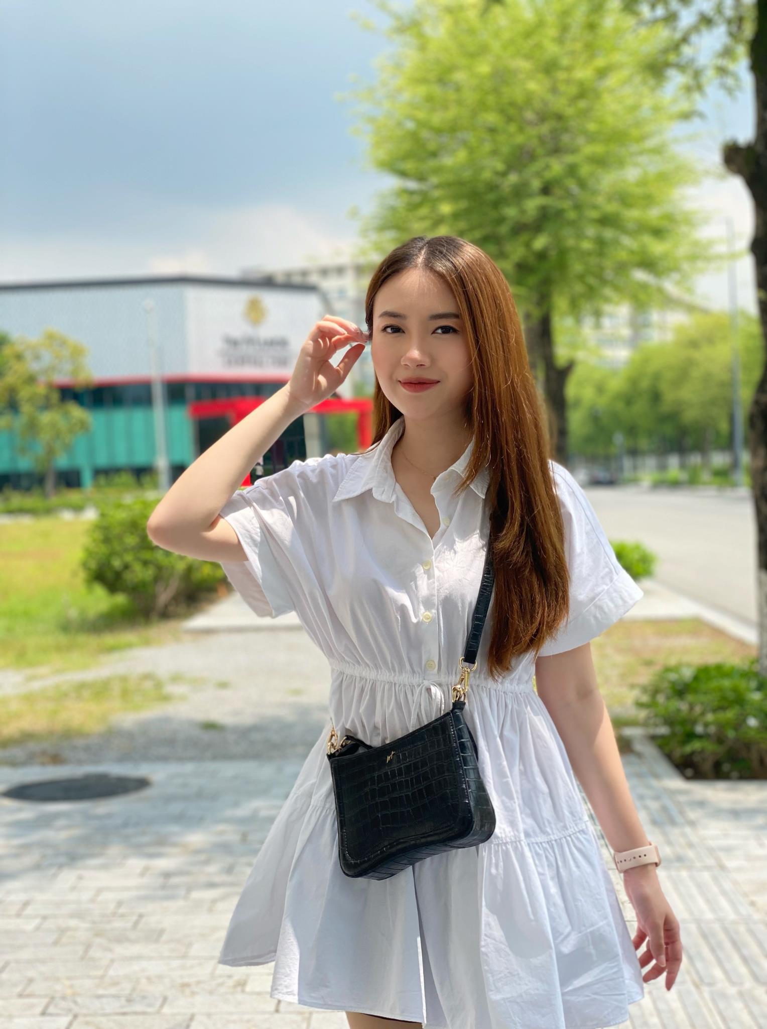 Tò mò chiếc túi được diễn viên Kiều My chọn cho vai Mai Khôi trong phim Ngày Mai Bình Yên - Ảnh 2.