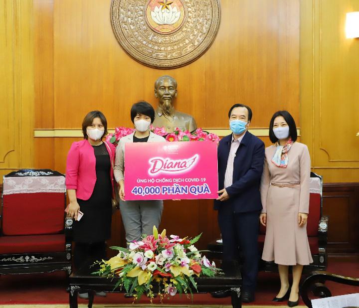 Diana tiên phong đồng hành cùng phụ nữ Việt chống dịch - Ảnh 2.