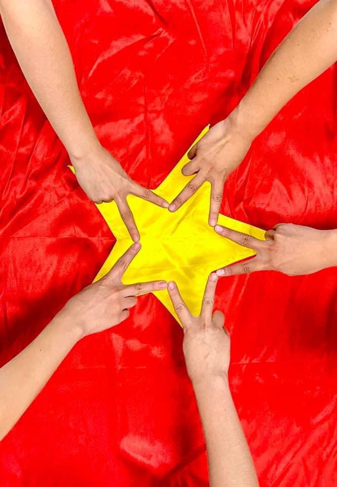 """Sao Việt hưởng ứng """"Góp triệu ngôi sao"""" gây quỹ hỗ trợ tiểu thương TP.HCM - Ảnh 5."""