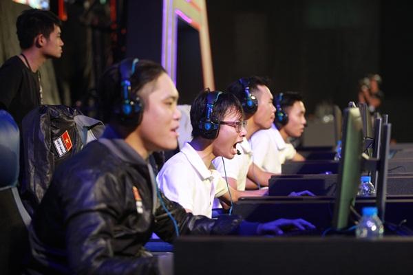 Tinh thần thi đấu hết mình của FPS Gaming
