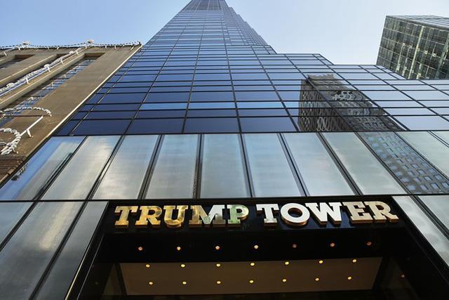 Trong khi mọi người nhìn thấy 1 tòa nhà 20 tầng lẽ thường ở 1 địa điểm đắt giá, Trump có thể nhìn thấy 1 siêu cao ốc 72 tầng có giá trị chẳng thể đo đếm.