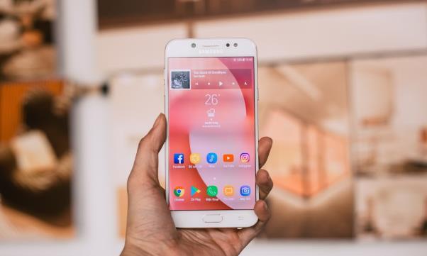 Những đòn đánh liên tiếp của Samsung trên thị trường tầm trung - Ảnh 6.