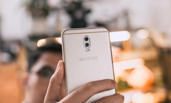 Những đòn đánh liên tiếp của Samsung trên thị trường tầm trung - Ảnh 7.