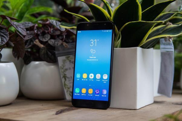 Những đòn đánh liên tiếp của Samsung trên thị trường tầm trung - Ảnh 15.