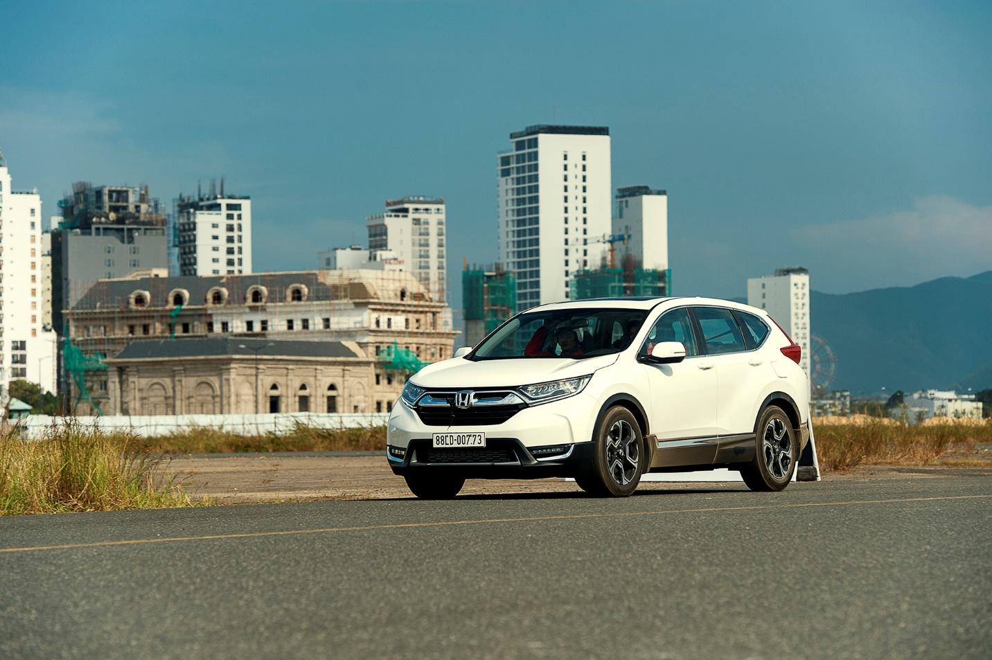"""Ra mắt mẫu CR -V thế hệ thứ 5, Honda kỳ vọng tạo nên """"cú hích"""" trong phân khúc SUV"""