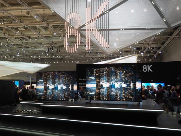 """đầu tư giá trị - img20180917151442809 - Đánh giá TV QLED 8K mới nhất của Samsung: """"Giấc mơ 8K đã trở thành hiện thực"""""""