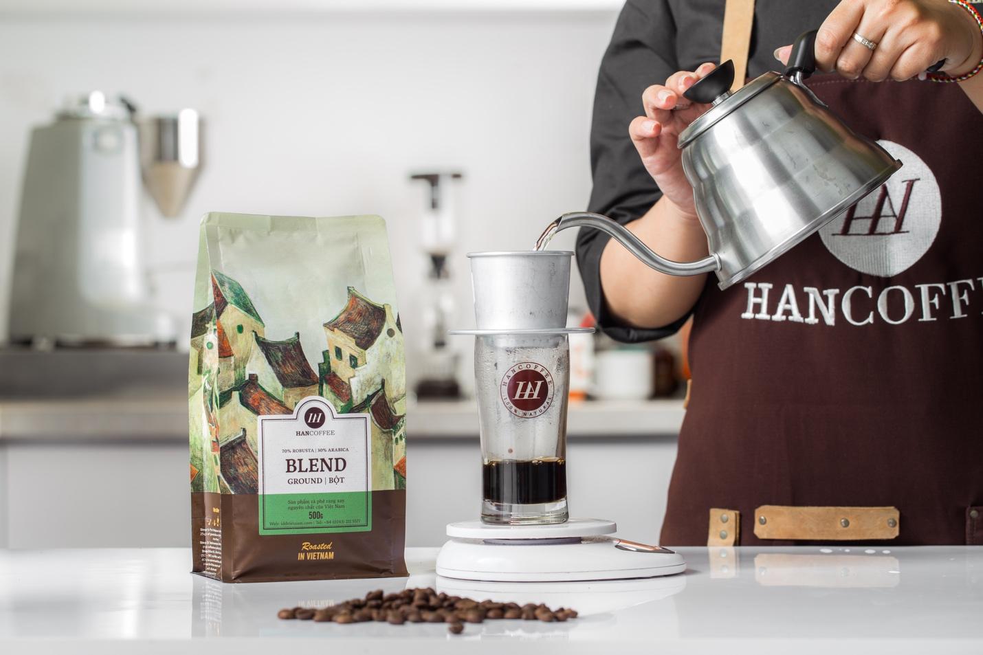 """cà phê việt - img20181224161947965 - Có gì bên trong những chiếc bao bì """"đẹp như tranh"""" vừa mới ra mắt thị trường cà phê Việt?"""
